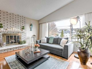 Photo 3: 278 MUNDY STREET in Coquitlam: Central Coquitlam House for sale : MLS®# R2422064
