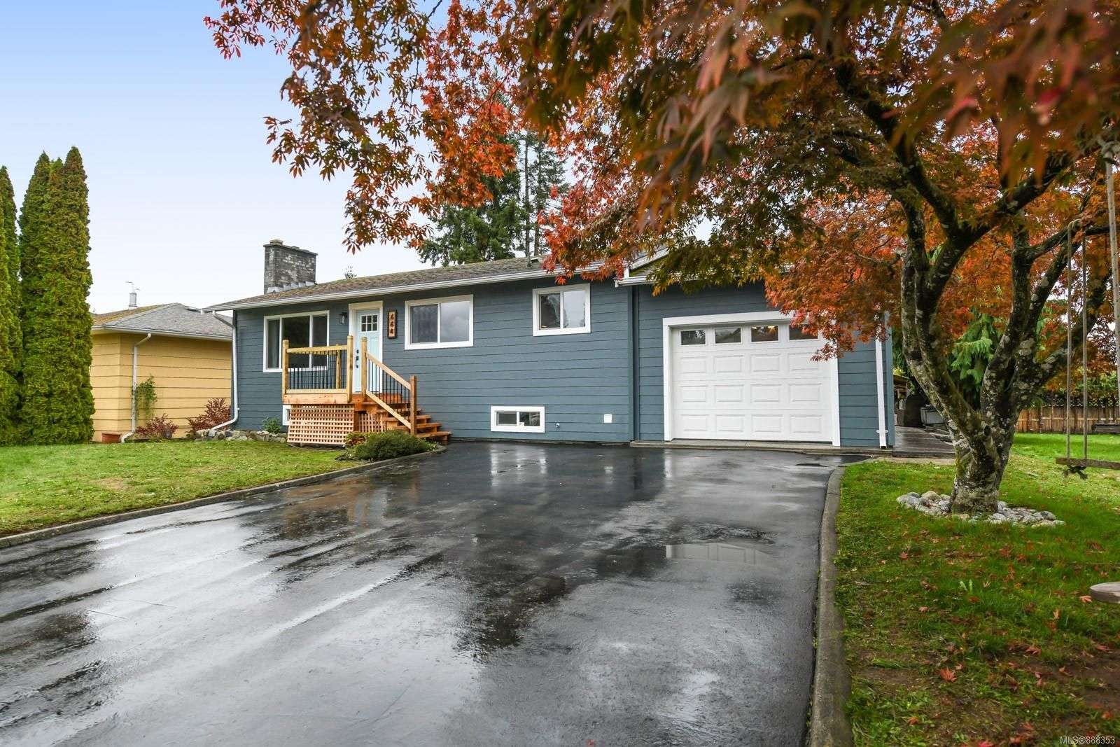 Main Photo: 664 19th St in Courtenay: CV Courtenay City House for sale (Comox Valley)  : MLS®# 888353