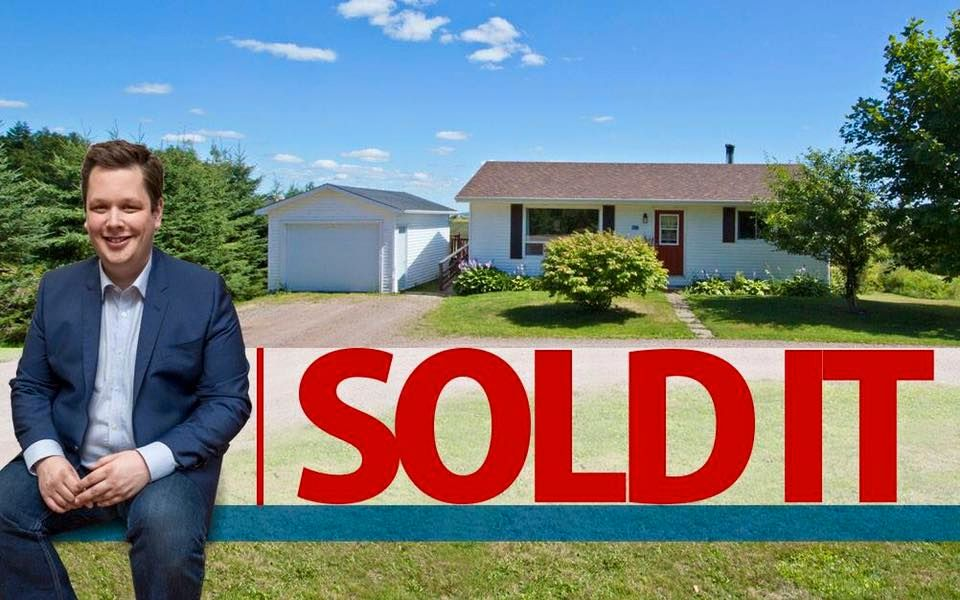 Main Photo: 107 Stanley Drive: Sackville House for sale : MLS®# M106742