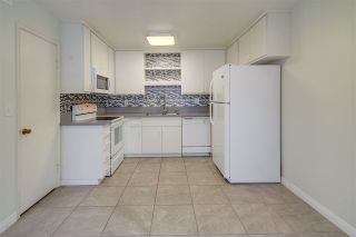 Photo 8: CLAIREMONT Townhouse for sale : 3 bedrooms : 5528 Caminito Katerina in San Diego