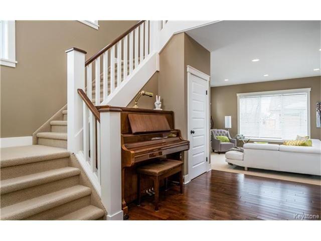 Photo 3: Photos: 39 Portside Drive in Winnipeg: Van Hull Estates Residential for sale (2C)  : MLS®# 1703911