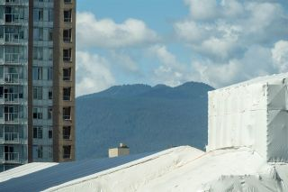 """Photo 15: 1106 1068 HORNBY Street in Vancouver: Downtown VW Condo for sale in """"The Canadian at Wall Centre"""" (Vancouver West)  : MLS®# R2485432"""