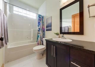 Photo 32: 3322 41 Street SW in Calgary: Glenbrook Detached for sale : MLS®# A1069634