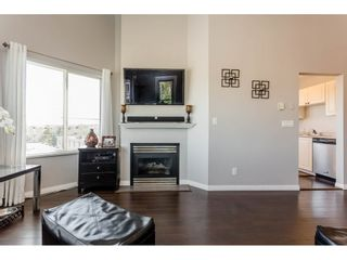 Photo 7: 417 5759 GLOVER Road in Langley: Langley City Condo for sale : MLS®# R2157468