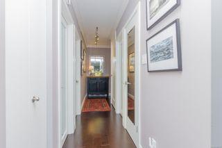 Photo 3: 1003 250 Douglas St in : Vi James Bay Condo for sale (Victoria)  : MLS®# 859211