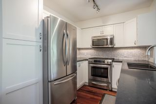 """Photo 13: 408 2181 W 12TH Avenue in Vancouver: Kitsilano Condo for sale in """"THE CARLINGS"""" (Vancouver West)  : MLS®# R2615089"""