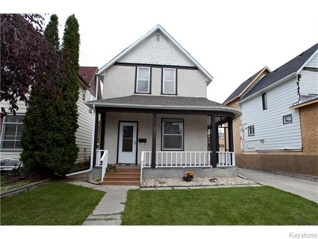 Main Photo: 209 Thomas Berry Street in Winnipeg: St Boniface Residential for sale (2A)  : MLS®# 1627237