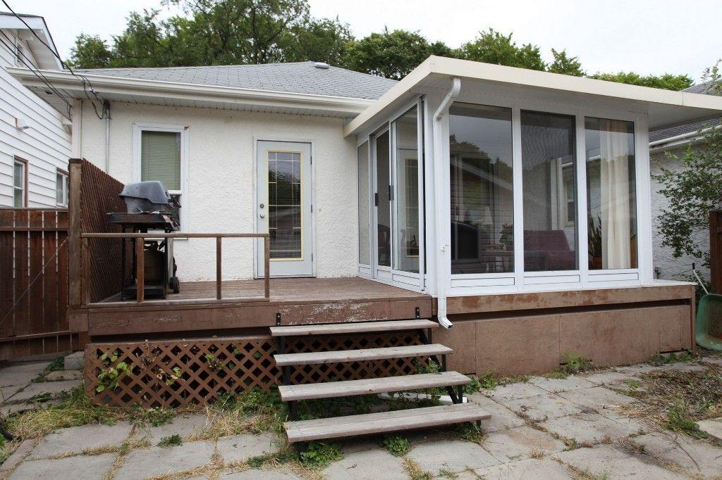 Photo 2: Photos: 970 Dominion Street in WINNIPEG: West End / Wolseley Single Family Detached for sale (West Winnipeg)  : MLS®# 1320863