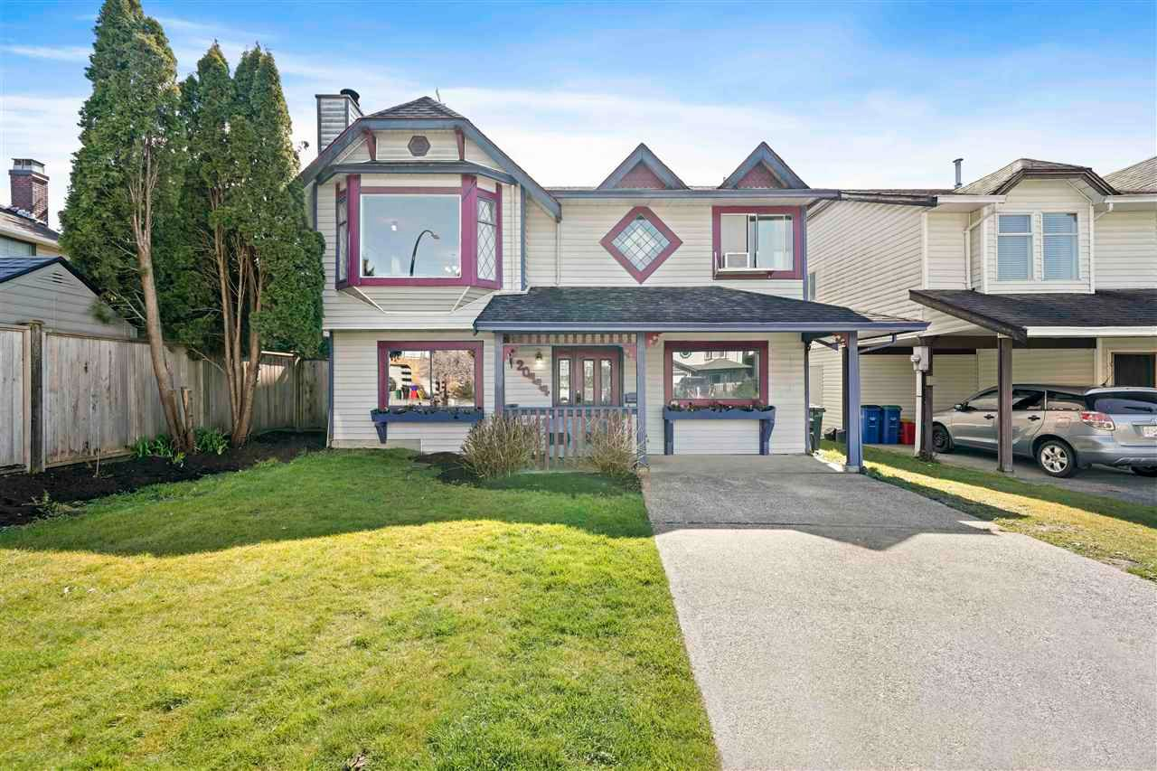 Main Photo: 20444 DALE Drive in Maple Ridge: Southwest Maple Ridge House for sale : MLS®# R2566097