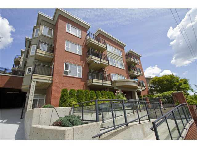 Main Photo: 307 221 ELEVENTH STREET in : Uptown NW Condo for sale : MLS®# V852068