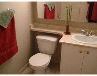 "Photo 5: 110 809 W 16TH ST in North Vancouver: Hamilton Condo for sale in ""PANORAMA COURT"" : MLS®# V552557"