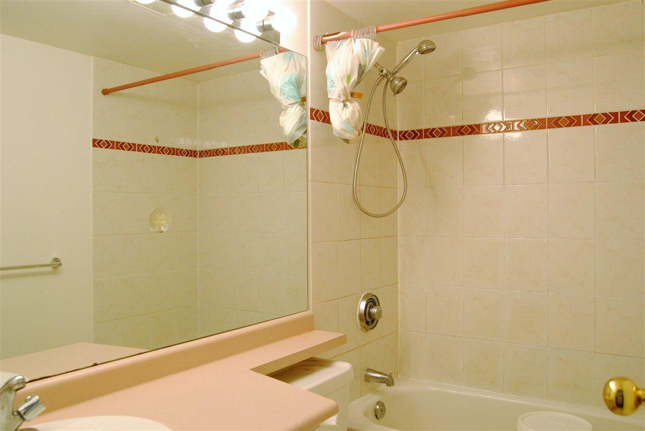 """Photo 14: Photos: 301 14820 104TH Avenue in Surrey: Guildford Condo for sale in """"CAMELOT"""" (North Surrey)  : MLS®# R2128065"""