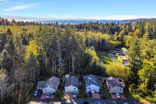 Photo 5: 40 7109 West Coast Rd in SOOKE: Sk Whiffin Spit Manufactured Home for sale (Sooke)  : MLS®# 827915