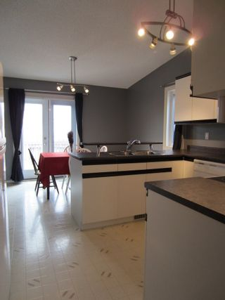 Photo 3:  in Eaglemere: House for sale