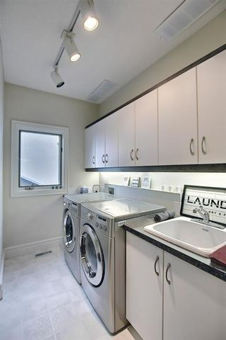 Photo 17: 430 Sierra Madre Court SW in Calgary: Signal Hill Detached for sale : MLS®# A1100260