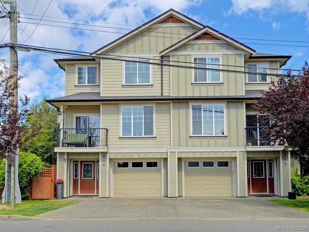 Main Photo: 848 Arncote Ave in VICTORIA: La Langford Proper Row/Townhouse for sale (Langford)  : MLS®# 768487