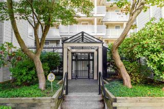 """Photo 3: 201 7620 COLUMBIA Street in Vancouver: Marpole Condo for sale in """"SPRINGS AT LANGARA"""" (Vancouver West)  : MLS®# R2113494"""