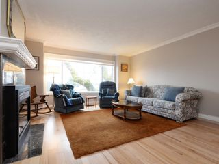 Photo 4: 40 901 Kentwood Lane in Saanich East: Townhouse for sale