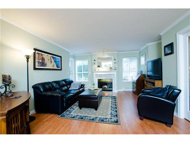 """Photo 4: Photos: 106 15272 20TH Avenue in Surrey: King George Corridor Condo for sale in """"Windsor Court"""" (South Surrey White Rock)  : MLS®# F1429895"""