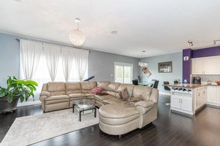 Photo 11: 1436 CHAHLEY Place in Edmonton: Zone 20 House for sale : MLS®# E4245265