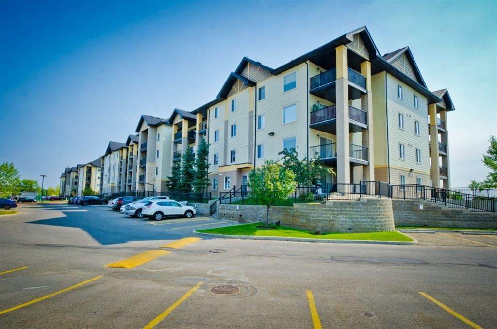 Main Photo: DOWNTOWN: Airdrie Apartment for sale
