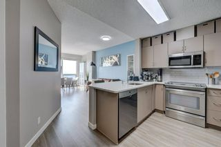 Photo 5: 2407 1053 10 Street SW in Calgary: Beltline Apartment for sale : MLS®# A1130708