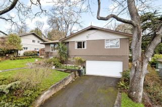Photo 4: 1756 Gonzales Ave in : Vi Rockland House for sale (Victoria)  : MLS®# 870794