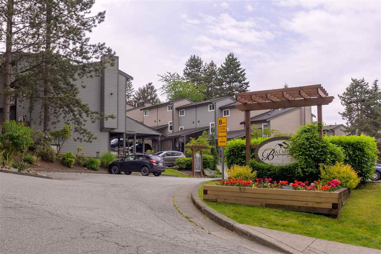 """Main Photo: 287 BALMORAL Place in Port Moody: North Shore Pt Moody Townhouse for sale in """"BALMORAL PLACE"""" : MLS®# R2378595"""