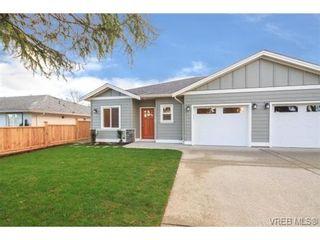 Photo 1: 10216 Pleasant St in SIDNEY: Si Sidney North-East Half Duplex for sale (Sidney)  : MLS®# 695278