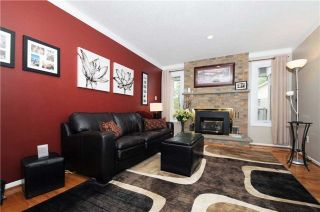 Photo 2: 7 Winner's Circle in Whitby: Blue Grass Meadows House (2-Storey) for sale : MLS®# E3284089