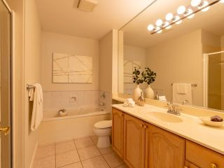 """Photo 22: 305 1150 LYNN VALLEY Road in North Vancouver: Lynn Valley Condo for sale in """"The Laurels"""" : MLS®# R2496029"""
