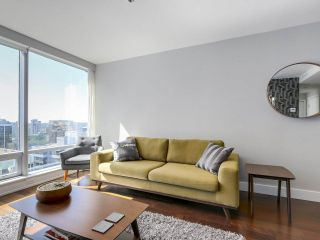 """Photo 8: 2506 1111 ALBERNI Street in Vancouver: West End VW Condo for sale in """"SHANGRI-LA"""" (Vancouver West)  : MLS®# R2525593"""