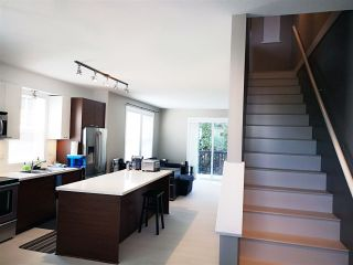"""Photo 3: 28 8767 162 Street in Surrey: Fleetwood Tynehead Townhouse for sale in """"Taylor By Mosaic"""" : MLS®# R2531804"""