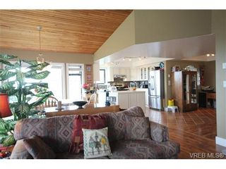 Photo 16: 3407 Karger Terr in VICTORIA: Co Triangle House for sale (Colwood)  : MLS®# 735110