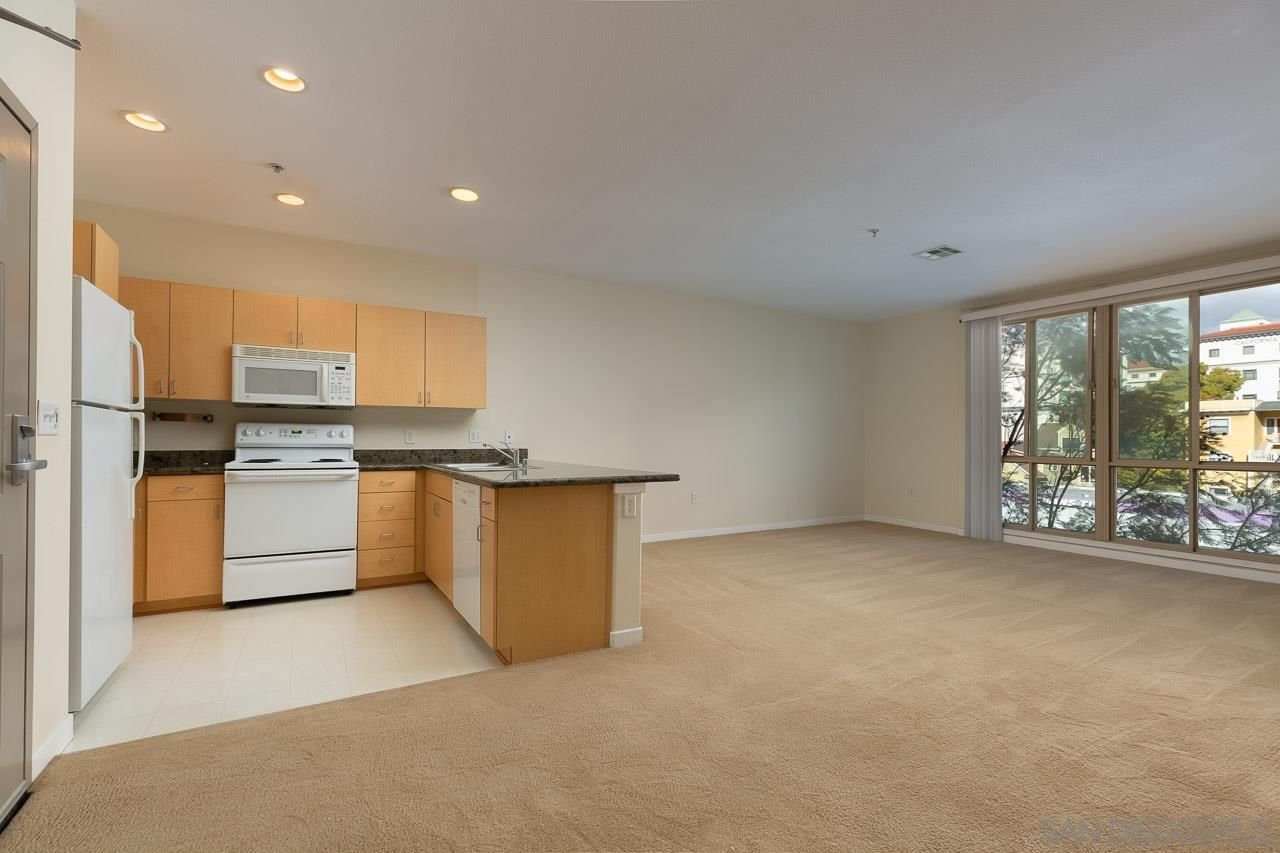 Main Photo: DOWNTOWN Condo for rent : 1 bedrooms : 1501 Front St #418 in San Diego