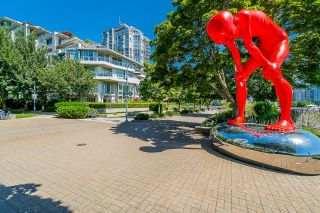 """Photo 34: TH112 1288 MARINASIDE Crescent in Vancouver: Yaletown Townhouse for sale in """"Crestmark 1"""" (Vancouver West)  : MLS®# R2587064"""