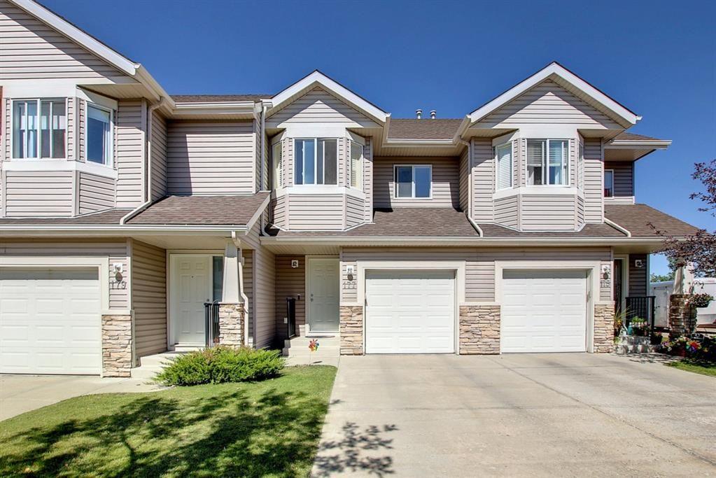 Main Photo: 177 Royal Oak Gardens NW in Calgary: Royal Oak Row/Townhouse for sale : MLS®# A1145885