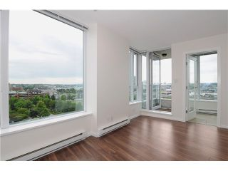"""Photo 2: 1209 550 TAYLOR Street in Vancouver: Downtown VW Condo for sale in """"THE TAYLOR"""" (Vancouver West)  : MLS®# V903570"""