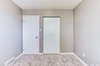 Photo 17: 2 Gray Avenue in Saskatoon: Forest Grove Residential for sale : MLS®# SK859432