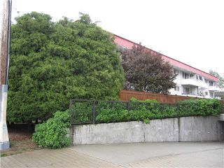 """Photo 7: 101 12096 222ND Street in Maple Ridge: West Central Condo for sale in """"CANUCK PLACE"""" : MLS®# V1138870"""