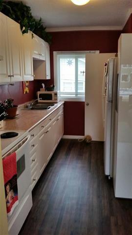 Photo 3: 8909 80 AV NW: Edmonton House for sale : MLS®# E4011863