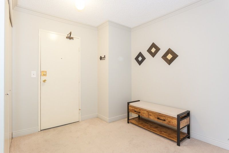 """Photo 8: Photos: 305 1341 GEORGE Street: White Rock Condo for sale in """"OCEANVIEW"""" (South Surrey White Rock)  : MLS®# R2215870"""