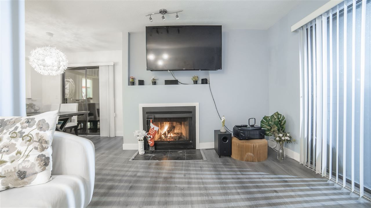 Photo 3: Photos: 8562 WILDERNESS Court in Burnaby: Forest Hills BN Townhouse for sale (Burnaby North)  : MLS®# R2328513