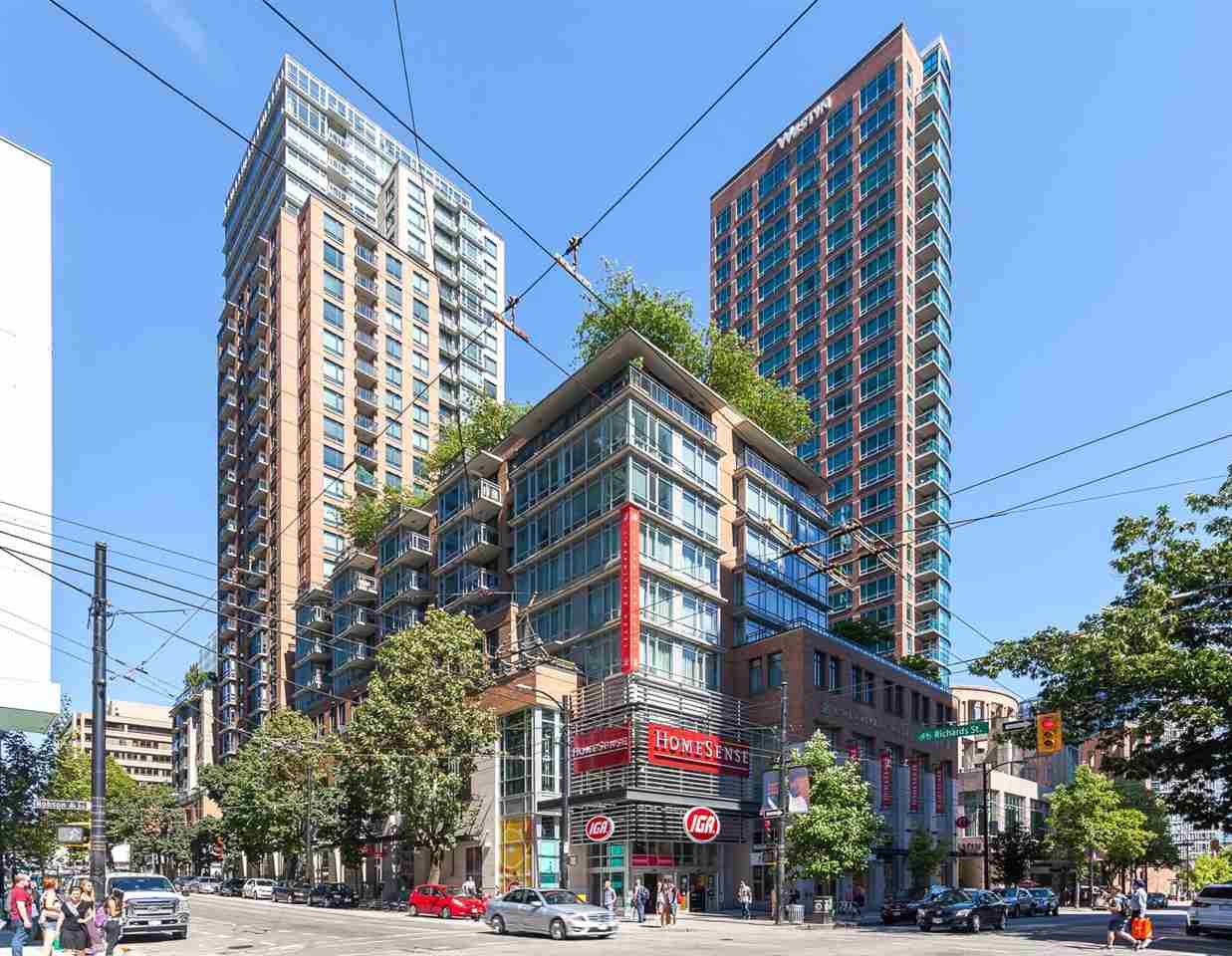 """Main Photo: 905 788 RICHARDS Street in Vancouver: Downtown VW Condo for sale in """"L'Hermitage"""" (Vancouver West)  : MLS®# R2458988"""