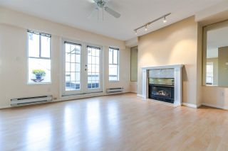 """Photo 3: PH2 611 - 611 W 13TH Avenue in Vancouver: Fairview VW Condo for sale in """"Tiffany Court"""" (Vancouver West)  : MLS®# R2311200"""