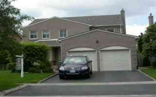Photo 1: 76 Longwater Chase Chse: House (2-Storey) for sale (N11: LOCUST HIL)  : MLS®# N916405