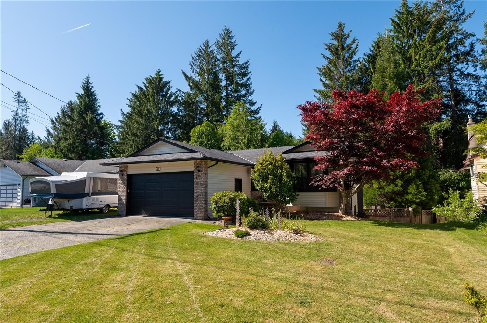 Main Photo: 691 Springbok Rd in : CR Willow Point House for sale (Campbell River)  : MLS®# 876479