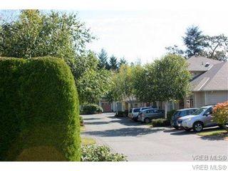 Photo 3: 74 850 Parklands Dr in VICTORIA: Es Gorge Vale Row/Townhouse for sale (Esquimalt)  : MLS®# 692887