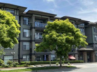 """Photo 1: 402 2068 SANDALWOOD Crescent in Abbotsford: Central Abbotsford Condo for sale in """"The Sterling 2"""" : MLS®# R2469396"""