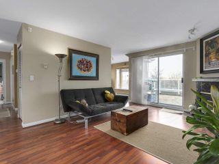 Photo 3: 2345 QUAYSIDE COURT in Vancouver: Fraserview VE Townhouse for sale (Vancouver East)  : MLS®# R2154138